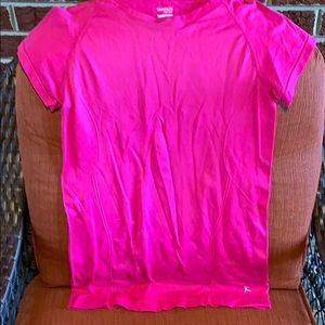 Danskin Now shirt size medium